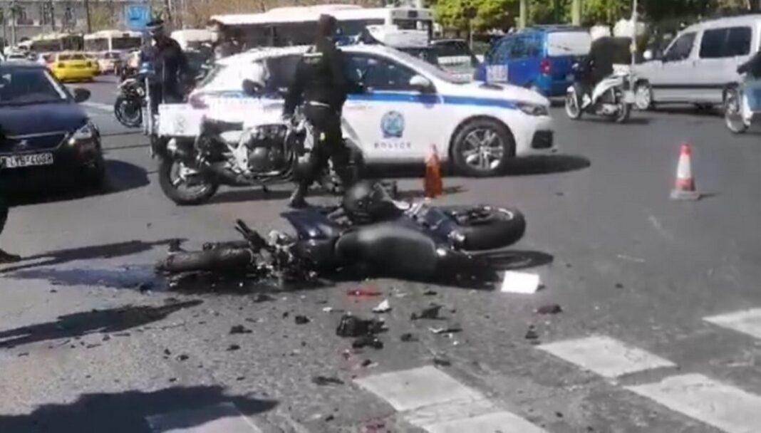 Ντόρα Μπακογιάννη: Είμαι συντετριμμένη – Όχημα της ασφαλείας μου ενεπλάκη στο τροχαίο δυστύχημα στη Βουλή