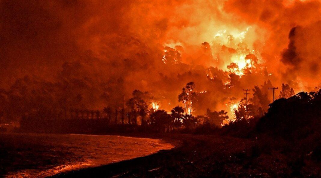 Τραγικές στιγμές-«Έρχεται καταστροφή», λένε οι αστυνομικοί στους κατοίκους – Video-Δραματική κατάσταση