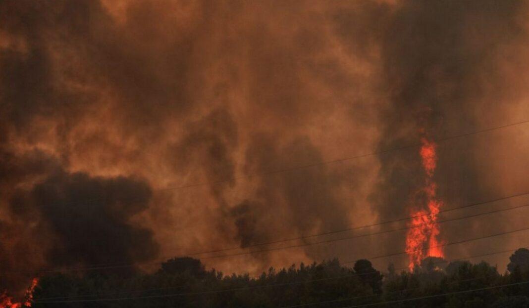 Φωτιά στην Αττική – Εκκενώνονται Μαλακάσα, Πολυδένδρι και Καπανδρίτι